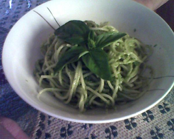 spaghetti al pesto e prezzemolo