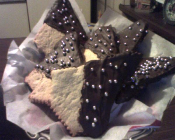 alberelli di Natale di pasta frolla e cioccolato fondente