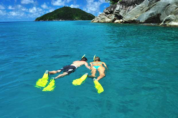 8-Snorkeling-Seychelles